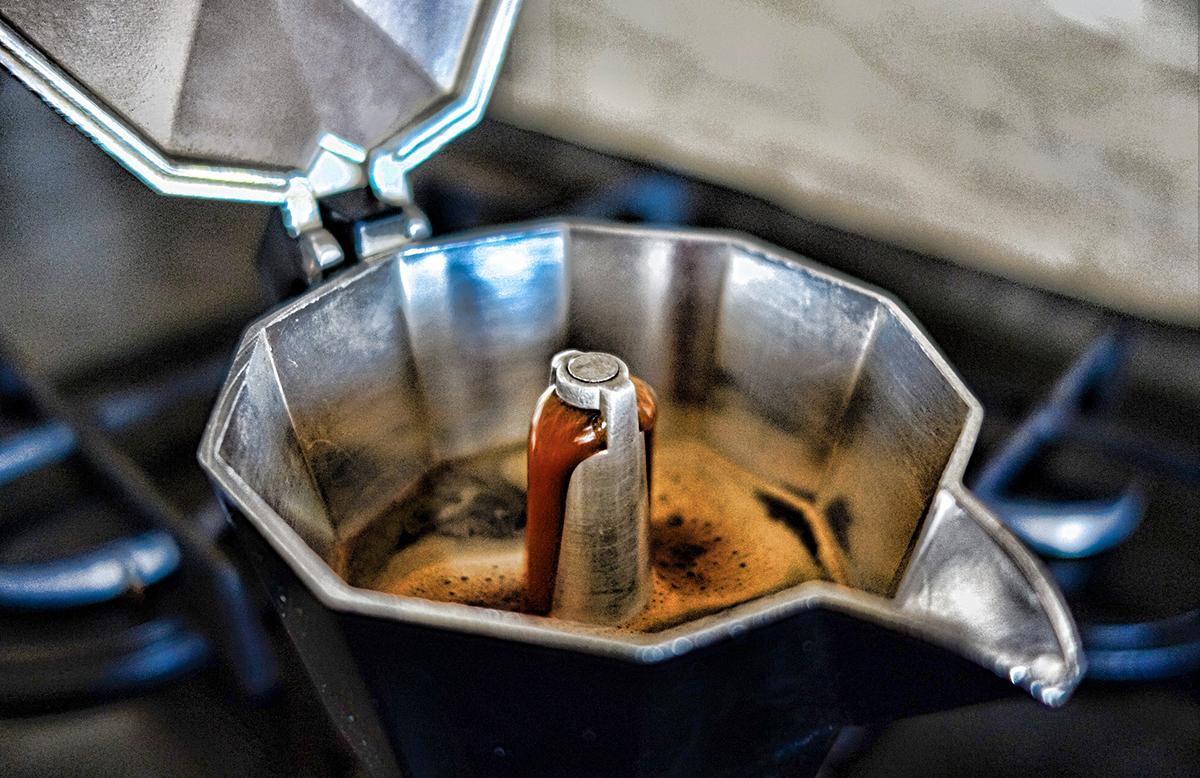 la moka torna di moda - la genovese caffè